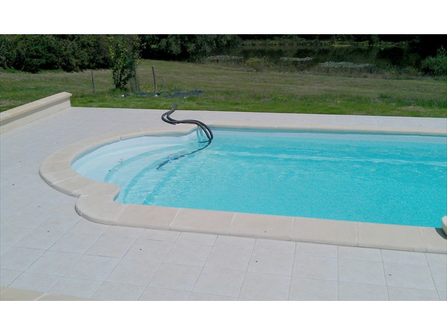 france holiday house swimming pool 3