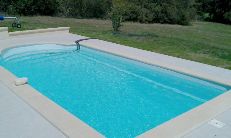 france holiday house swimming pool